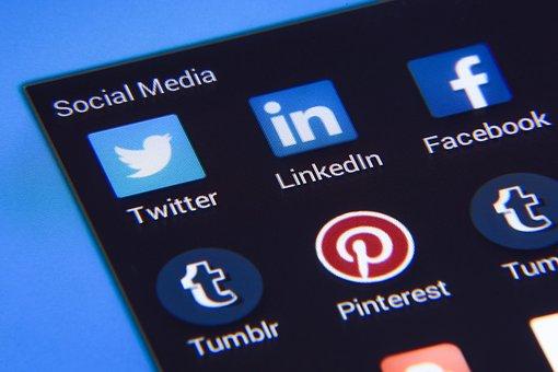 social-media-1795578__340